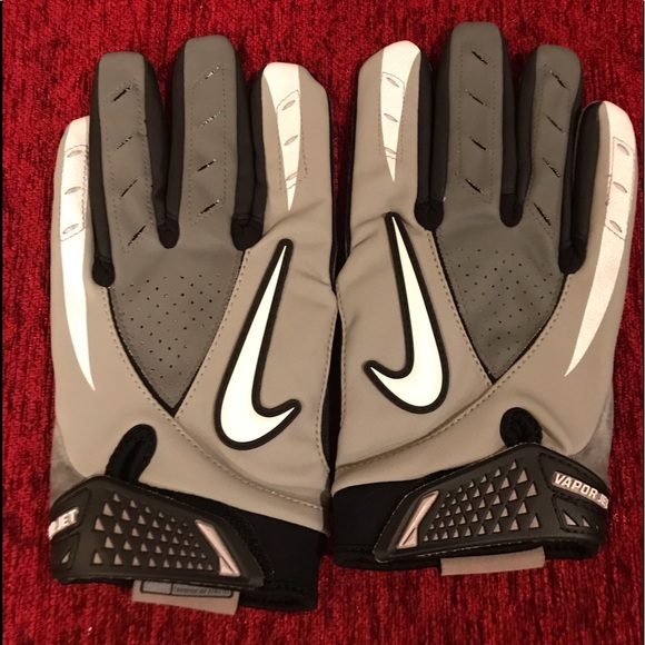 Nike Other - Gloves